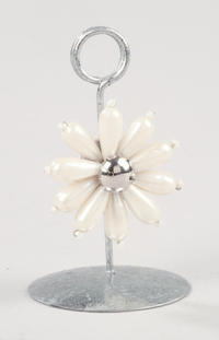 Silver Foil with Pearl Flower Notecard & Photo Holder (Jewelry Displays)