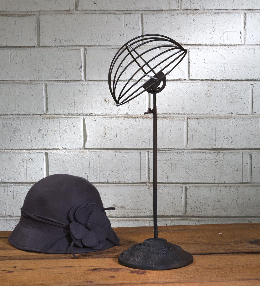 Adjustable Rustic Metal Hat Stand (Scarf, Purse & Fashion Displays)