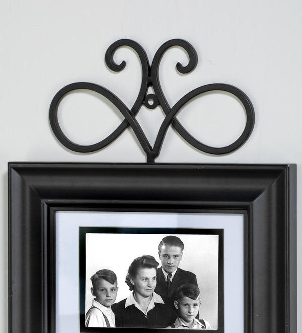Black Swirl Frame Hook