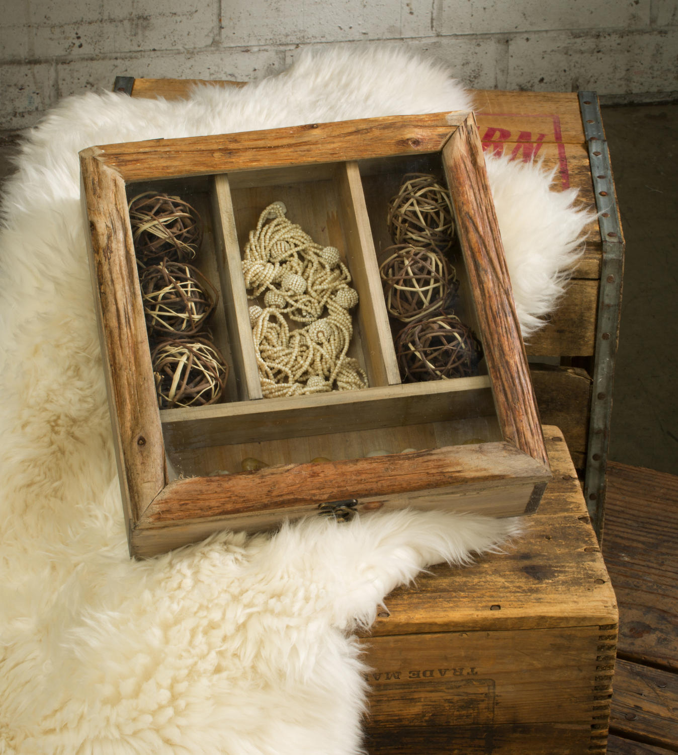 Natural Wooden Divided Box (Jewelry Displays)