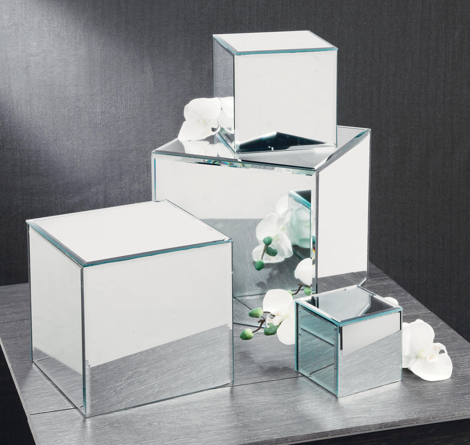 Square Glass Mirror Risers   (Tiered Displays & Platforms)