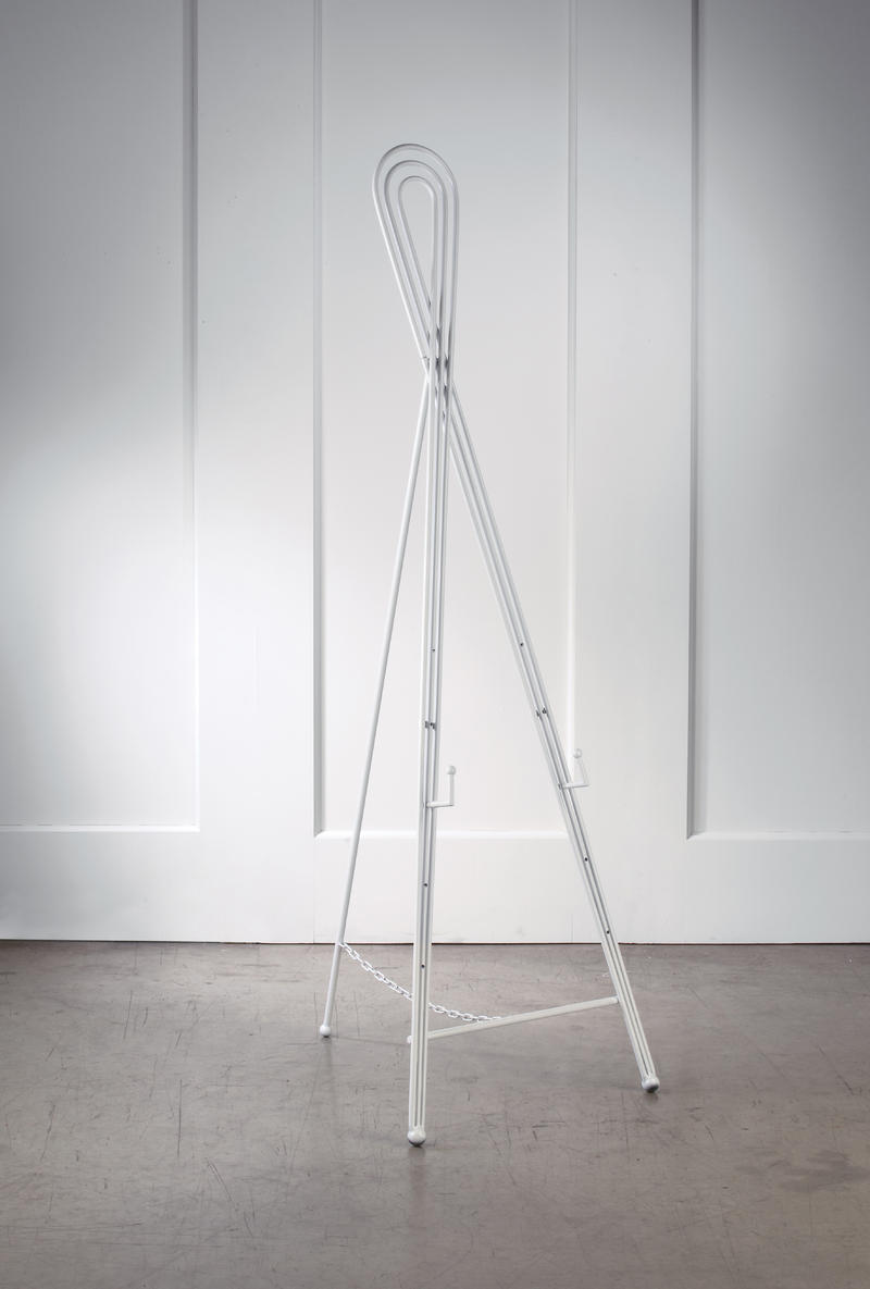 Triple Swirl Floor Easel - White