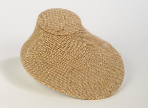 Flat Natural Jute Neck Form