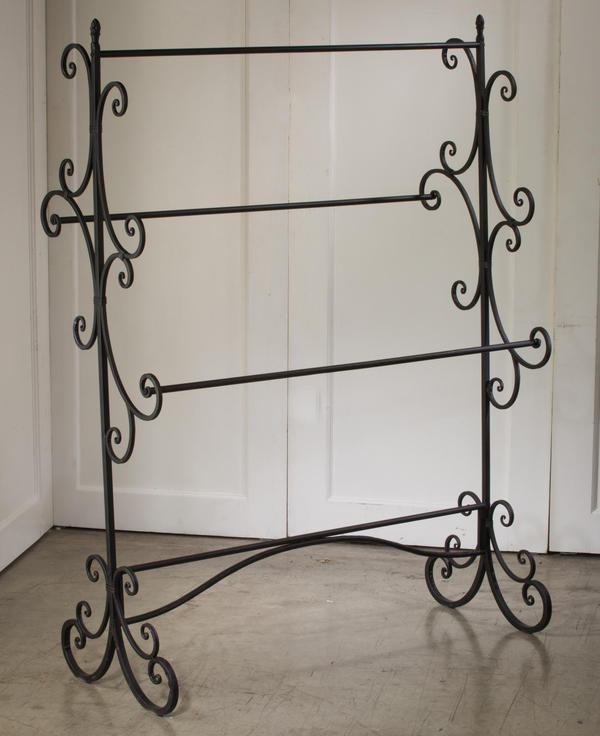 Mahogany Swirl Fashion Rack