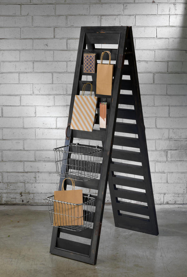 2-Sided Shutter Ladder Display