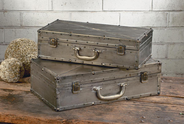 Gunmetal Industrial Display Suitcases - Set of 2