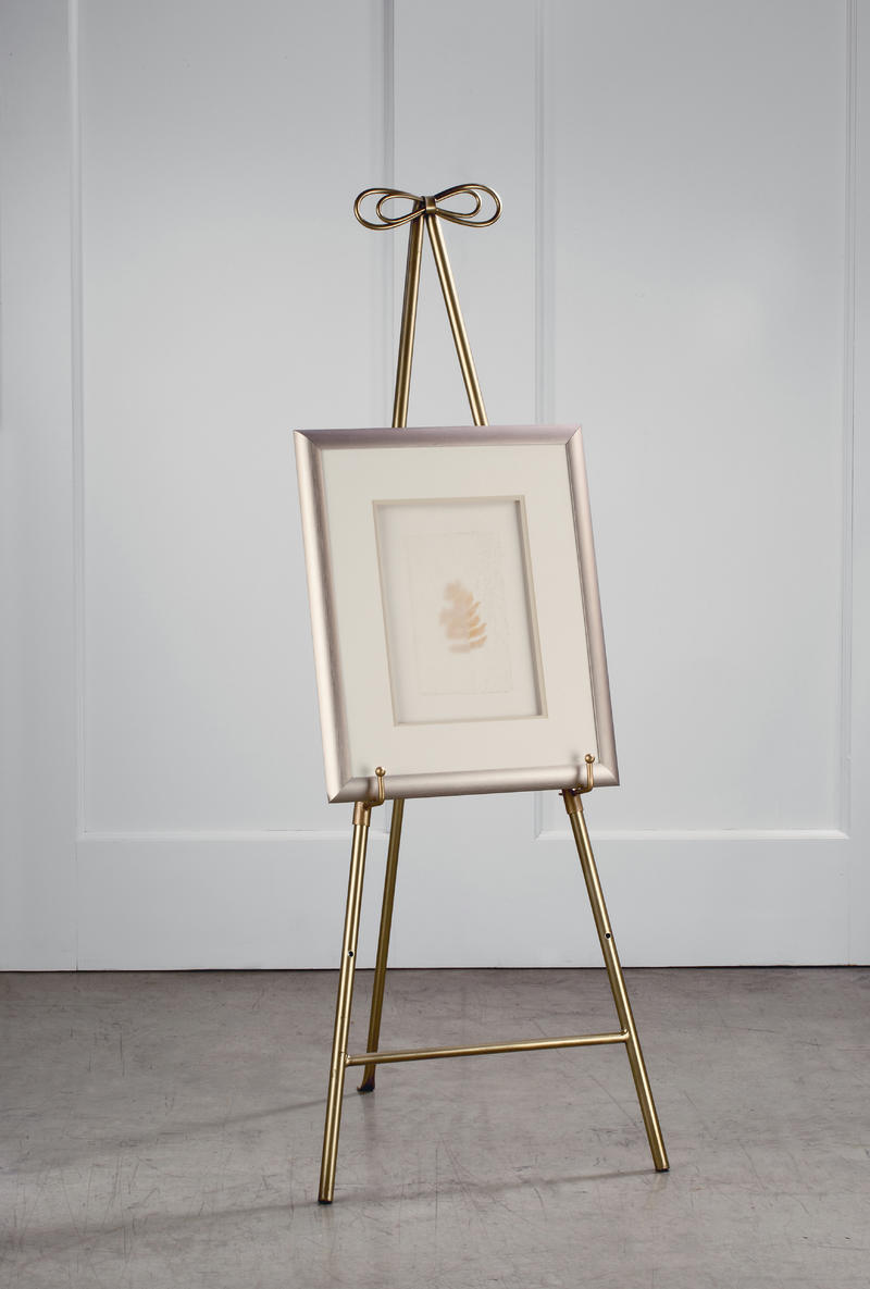 Bow Easels