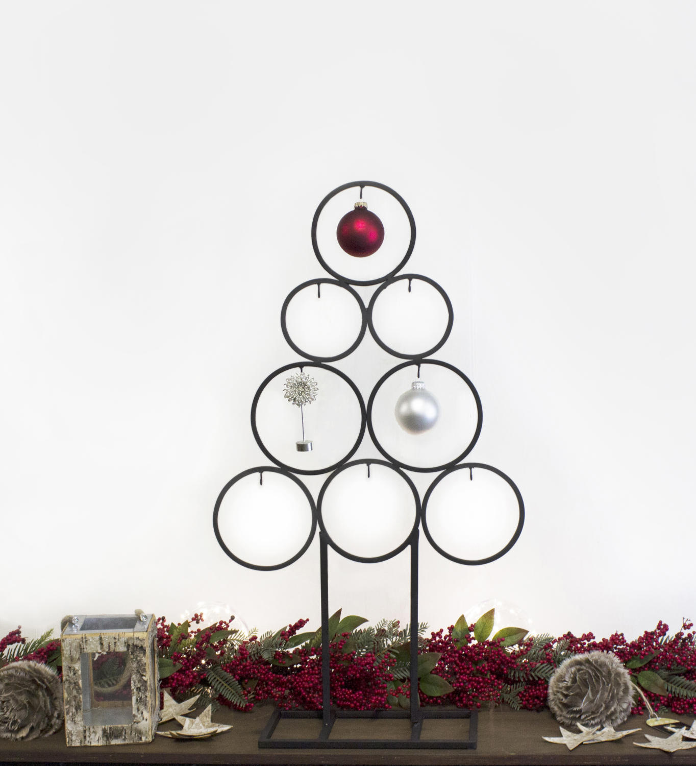 Metal Circle Tree Ornament Display, Set of 2