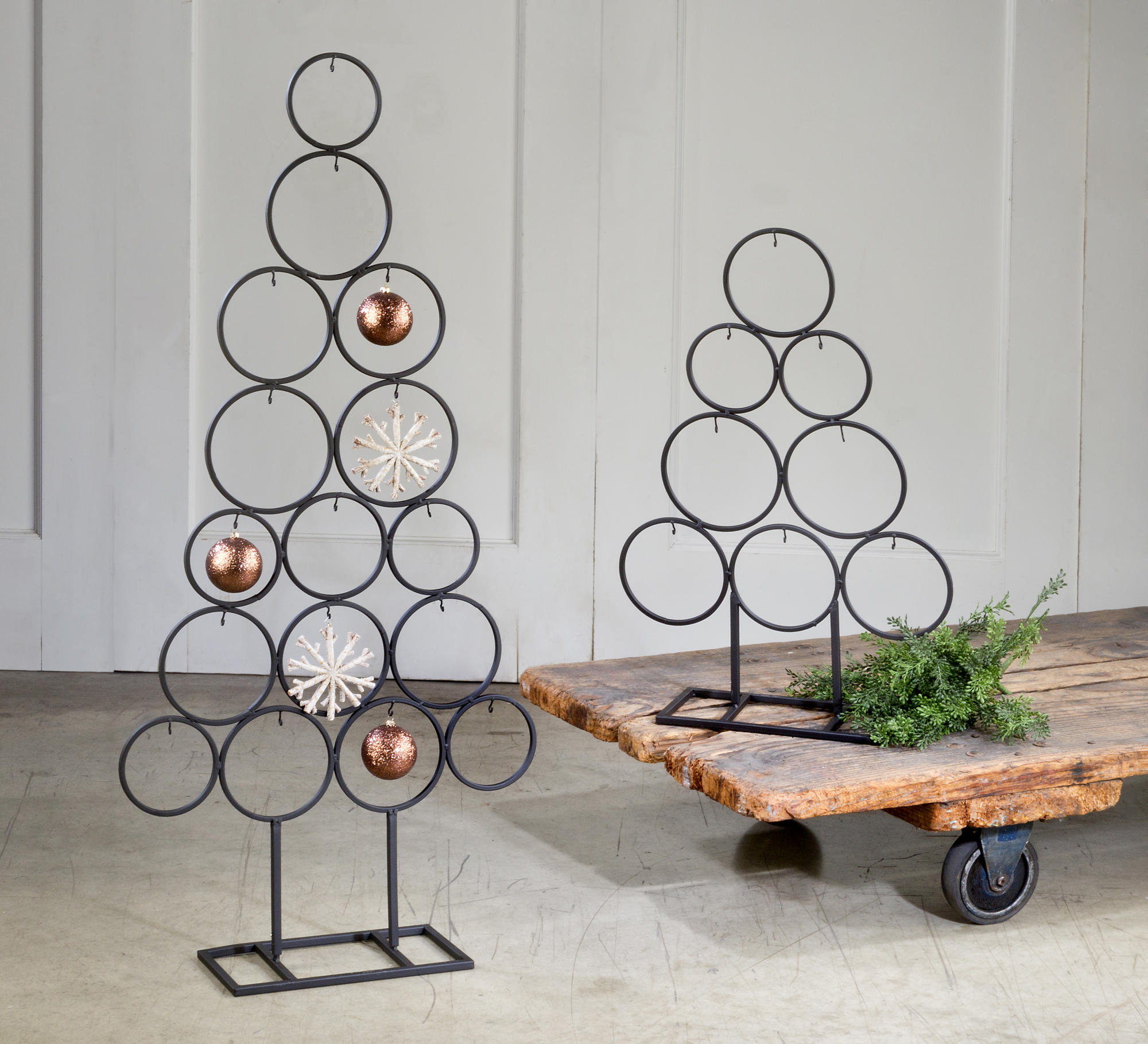 Metal Tabletop Christmas Tree: Metal Circle Tree Ornament Display, Set Of 2